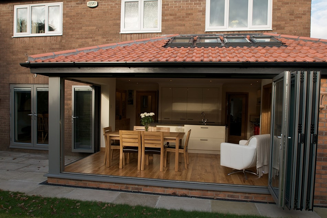 midos bi-fold door house
