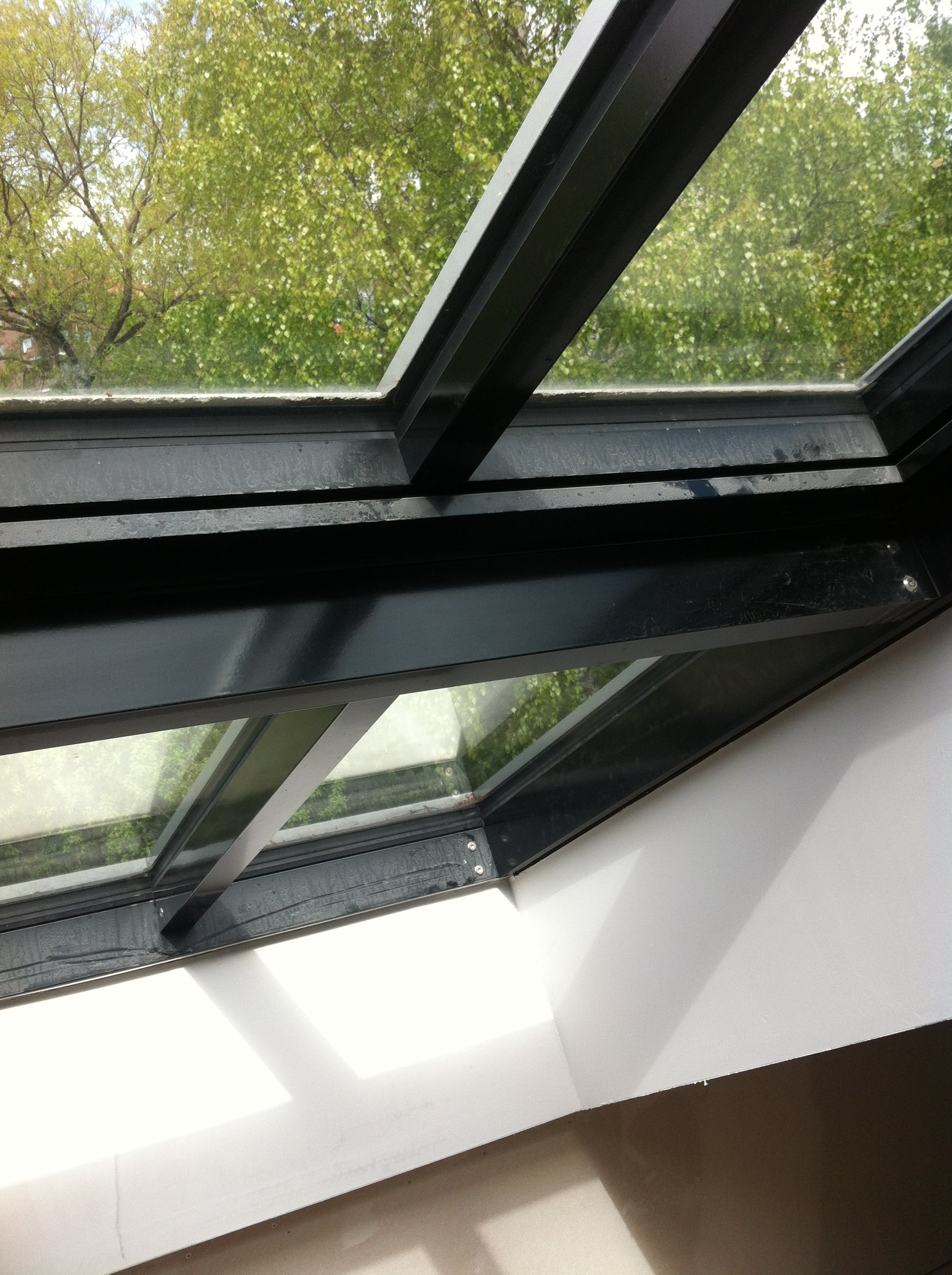 midos rooflights dark window