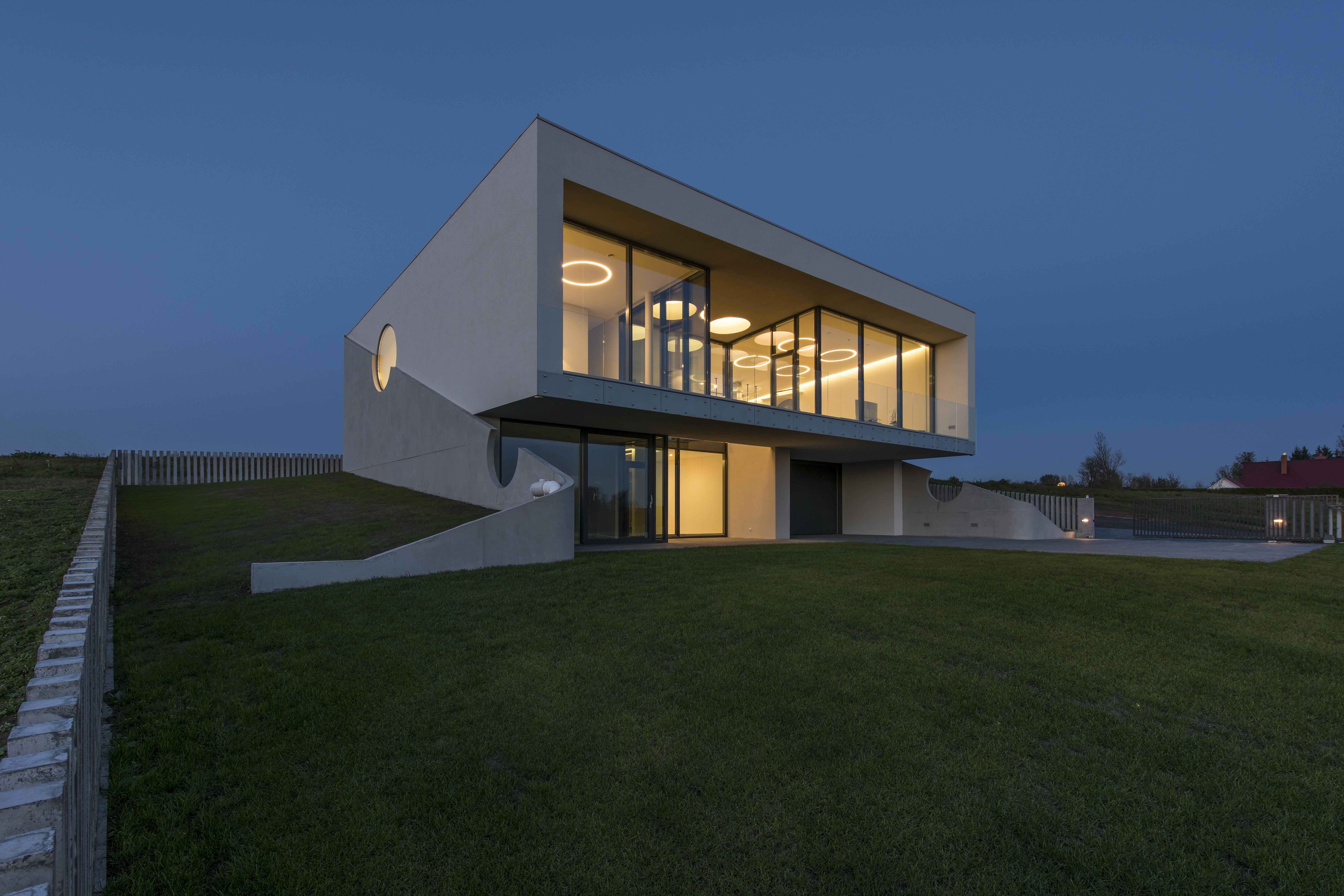 midos windows house